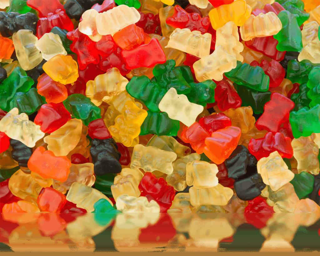 img-1-gummy-bear-from-harris-gummy-bear-oursons_gelatine_marche-rouffignac_reflection